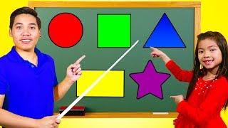 艾玛在学校学习形状
