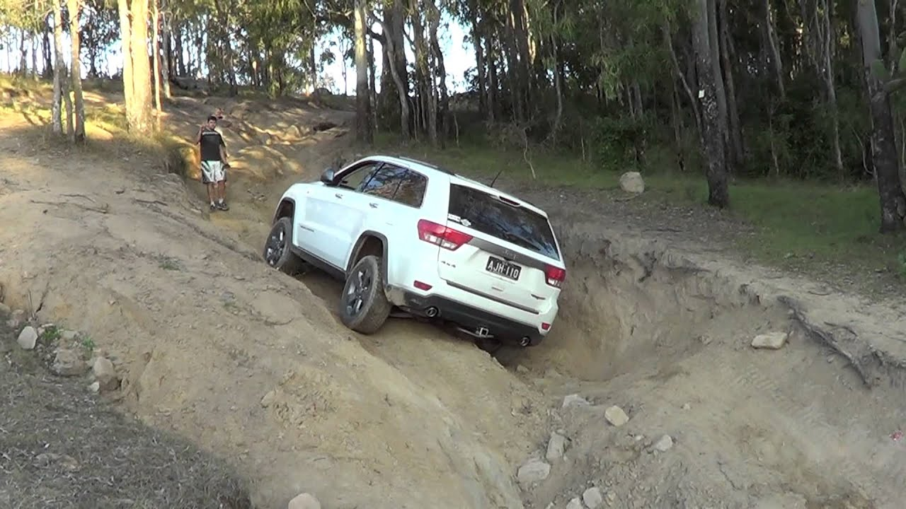 Jeep Grand Cherokee Wk2 Trailhawk Youtube