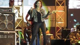 Kamli Kamli Live By Sunidhi Chouhan