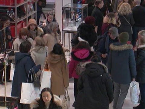 Raw: Shoppers Kick Off Black Friday