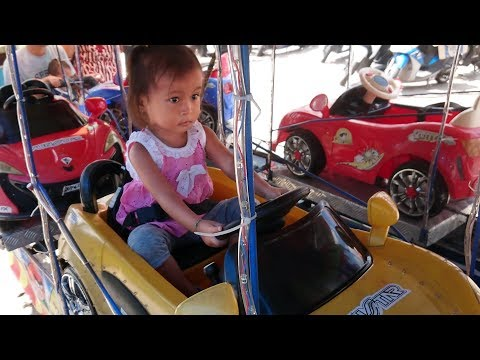 Hore Balita Lucu Berani Naik Odong Odong Sendiri di Pasar - Mobil Mainan Anak