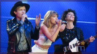 "Taylor Swift, Beck & St Vincent - ""Dreams"" Clip at Staples Center"