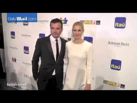 Matthew Settle with co star Kelly Rutherford back in 2013