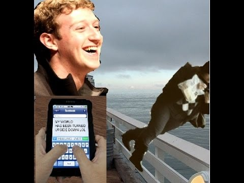 Tourist walks off Australia pier while checking Facebook
