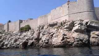 Хорватия Дубровник(http://www.bloggertravel.ru/2013/08/dubrovnik/ Дубровник. Мы посмотрели старый город с его крепостью, проплыли на катере вокруг..., 2013-08-03T08:56:29.000Z)