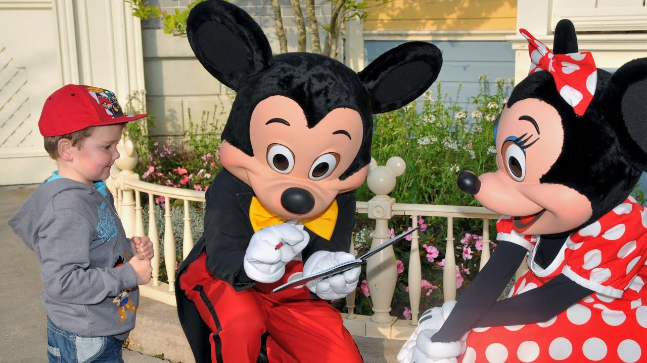 Meeting Mickey Mouse And Minnie Mouse At Disneyland Paris