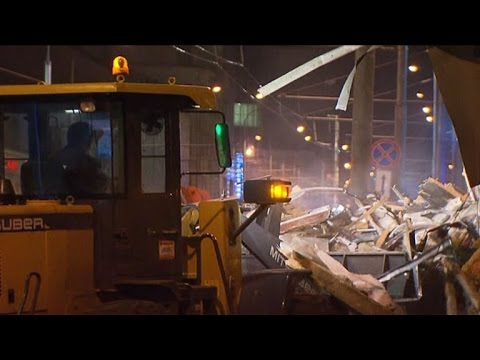 Moscow bulldozes 100 'illegal' businesses