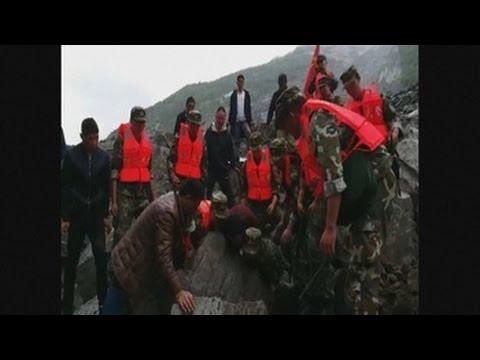 Al menos 120 desaparecidos en deslizamiento de tierra en China