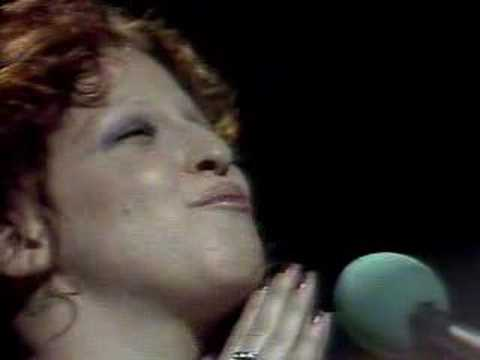 The Bette Midler Show - Hello In There