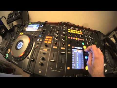DJ LESSON ADDING EFFECTS TO A TUNE IN THE MIX  by ellaskins the DJ Tutor