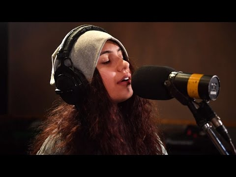 Alessia Cara - Super Rich Kids (Frank Ocean cover / live at BBC Radio 1)