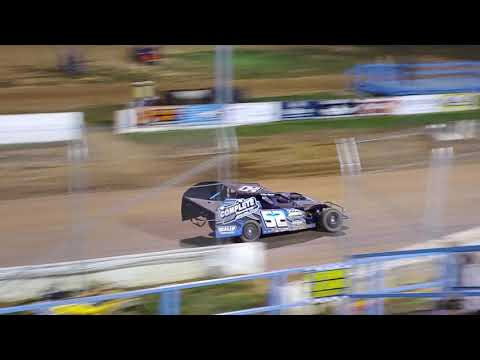 Modified feature race at Florence speedway 4/6/19