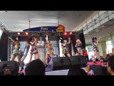 Enka Girls performance at Jakarta Idol Festival 2017
