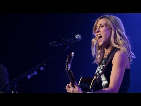 "Sheryl Crow - ""Atom Bomb"" & ""Heartbeat Away"" Live (2017) Mp3"