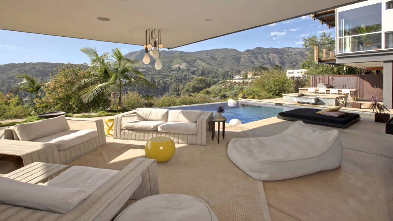 Photo: house/residence of the cool 1.6 million earning Los Angeles-resident