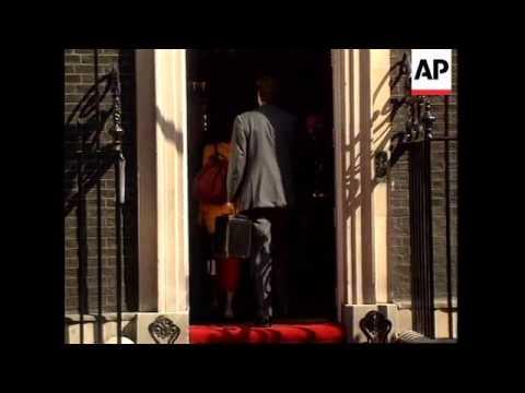 UK: LONDON: EU PRESIDENT SANTER ARRIVES AT DOWNING STREET