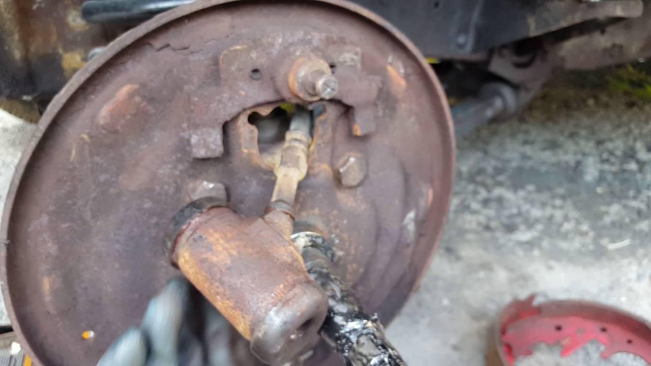 f100 front drum brakes part 1 of 3 [ 1280 x 720 Pixel ]