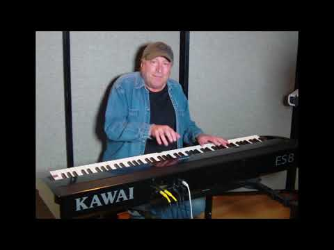 "Learn to play ""Don't Do Me Like That"" (Tom Petty) on piano!"