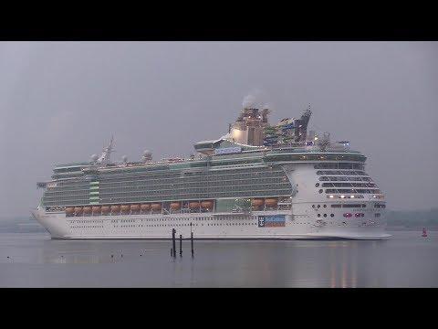 Five Cruise Ship Arrival Bonanza Early Morning In Southampton 18/05/19
