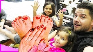 SHOCKING FATHER DOES PEDICURE WITH DAUGHTERS! | The Family Vlog | REALITYCHANGERS