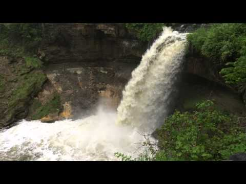 Visiting Minnehaha and St Anthony Falls
