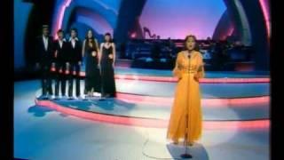 Eurovision 1977 - France - Marie Myriam - L'oiseau et l'enfant legendado.avi
