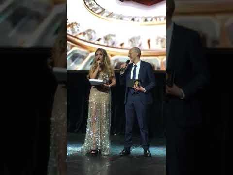 Премия в номинации «Лучший Гипнолог», получаю за моего учителя Аркадия Орлова
