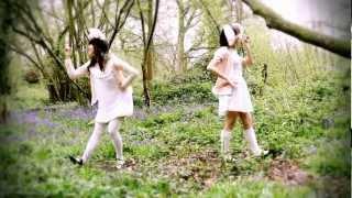 "【Maids of England】【Maid Momoko & Maid Rini】""Te-yut-te"" Dance Cover 【踊ってみた】"