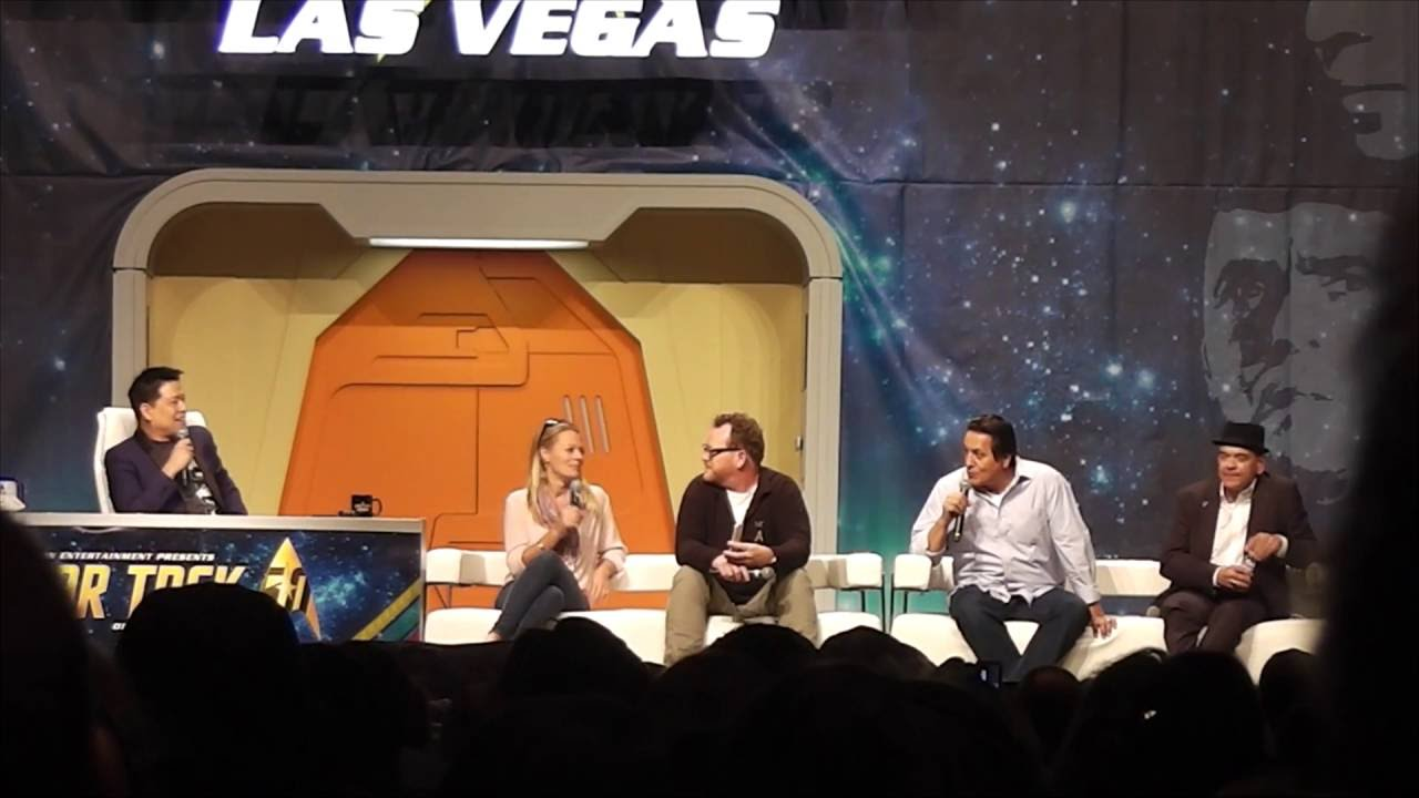 Download Voyager Panel (Part 2 out of 2) at the 2016 Star Trek Convention