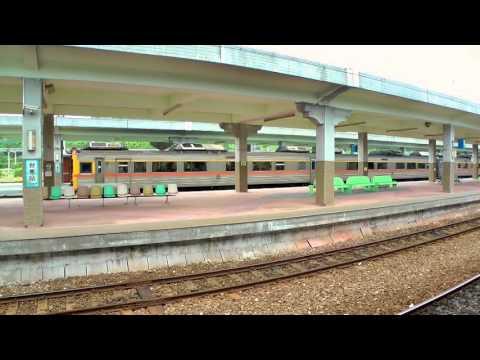 [HD] The Taiwan TRA DR2900 + DR3000 Hitachi DMU Train no. 435 at the Taitung Station