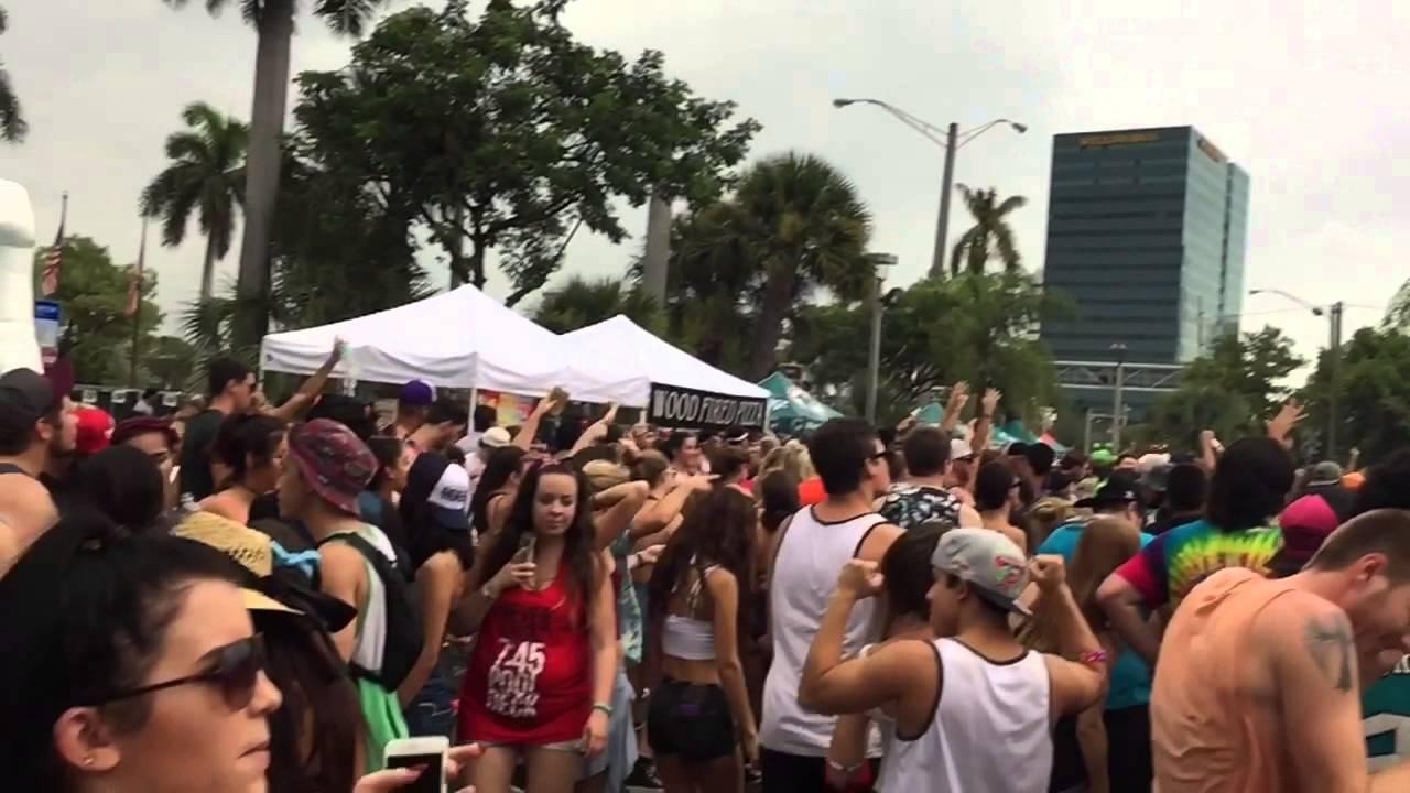 Download Jauz, Skrillex & Jack Ü at Mad Decent Block Party 2015
