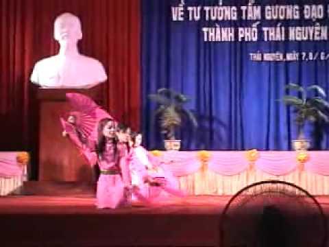 Tieng Hat Giua Rung Pac Bo - Phuong Quan Trieu