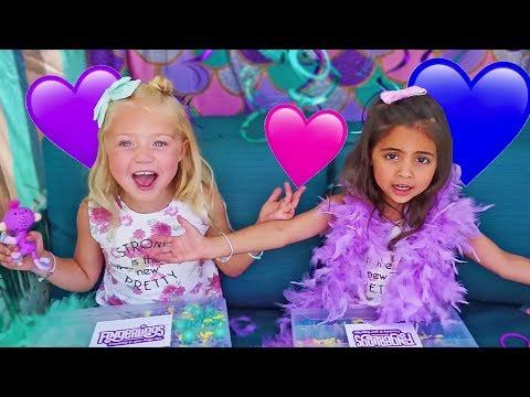 EVERLEIGH AND AVA - FREAKY FRIDAY DRESS UP WITH FINGERLING BFFs!