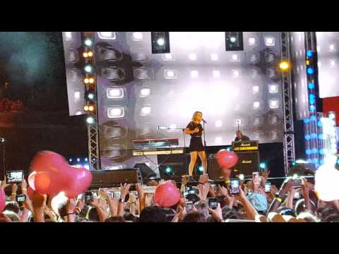 Emma - Occhi Profondi (live @ Coca Cola Summer Festival)