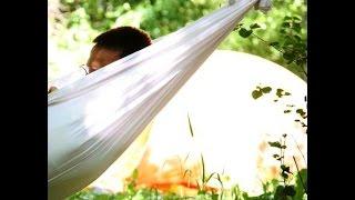 Подвесной гамак своими руками(Гамак своими руками. Почему бы Вам не сделать на даче садовый гамак, который идеально подойдет для отдыха..., 2014-08-05T13:11:54.000Z)