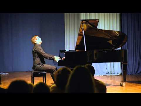 Rob Dougan - Clubbed To Death (piano adapted by Roland Hegedus)