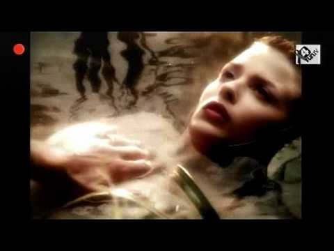 NICK CAVE And KYLIE MINOGUE-Where Wild Roses Grow.avi