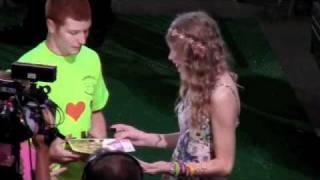 Taylorswift13 videos taylorswift13 clips clipzui taylor swift 13 hour meet greet and concert footage m4hsunfo