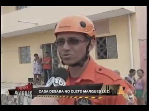 Casa desaba no Cleto Marques Luz