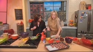 Rachael Ray Cooks Up A Delicious Taco Dinner