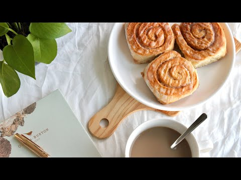 Vegan Cinnamon Buns | Colours of Flavours
