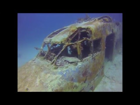 Diving the British Virgin Islands. Plane wreck at Great Dog