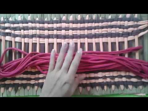 TAPETE COM RETALHOS TENDO COMO BASE O PAPELÃO  artesanato - YouTube 992cb0c6eff