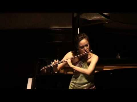 Jasmine Choi plays Claude Debussy's Syrinx for Solo Flute 최나경