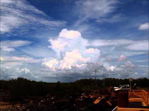Stormchasing NW Western Australia (photos) Part 1.wmv