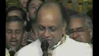 Vinod agarwal singing a bhajan. recorded feb. 2007