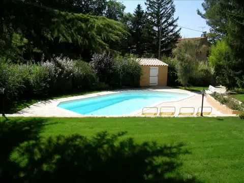 D couvrez la ligne escale piscines escale piscines est for La piscine translation