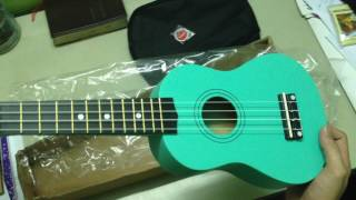 Trên tay đàn ukulele 350k từ shop Guitar Isaac