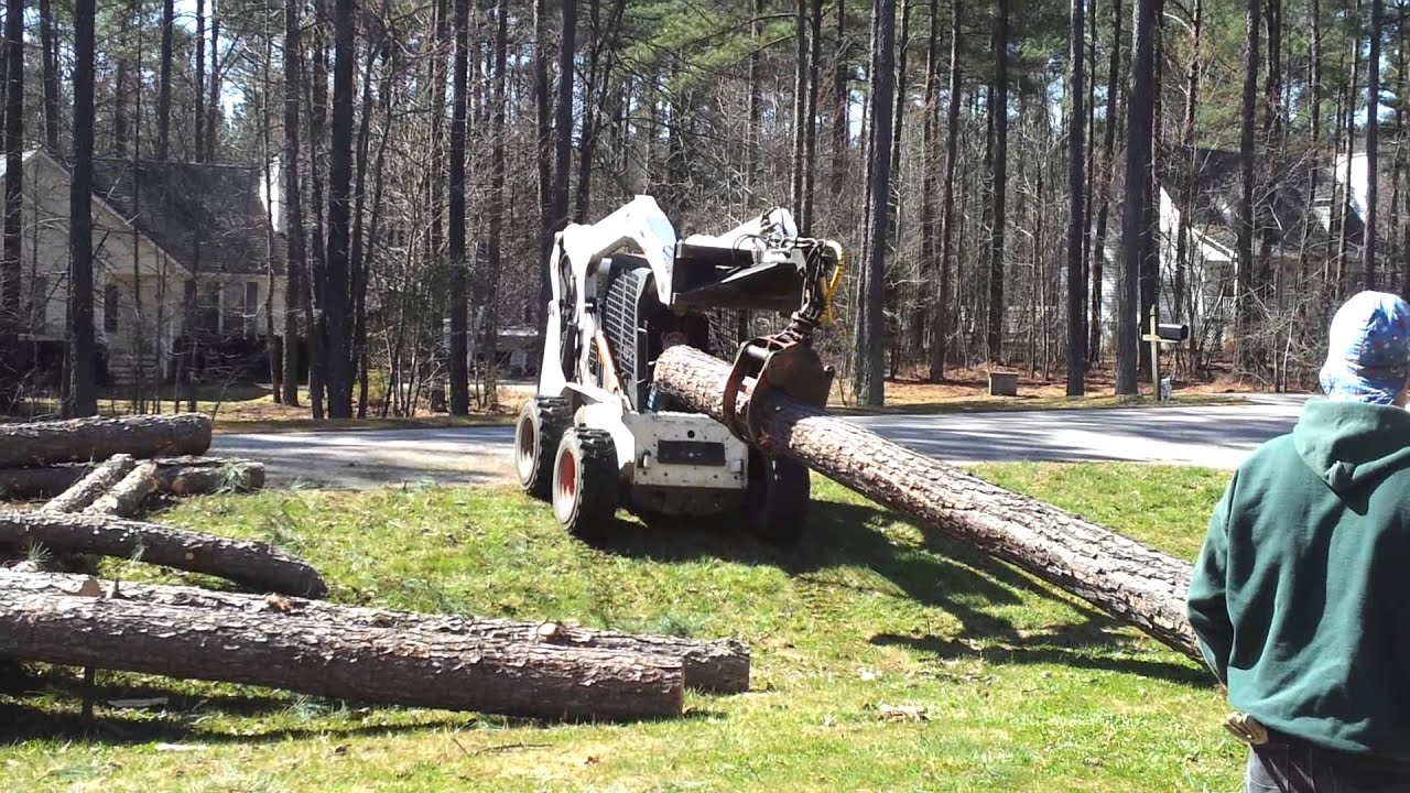 Loading Logs With Bobcat S300 Grapple Attachment Tree