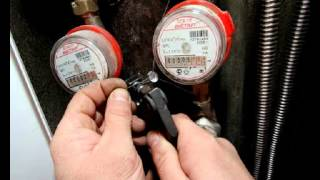 Установка водосчетчиков и счетчиков воды(Установка водосчетчиков и счетчиков воды компания Водосчетчик.ру http://vodoshetchiki.ru/, 2013-07-16T14:49:02.000Z)